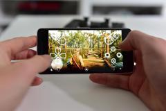 Remote Play hry Red Dead Redemption 2 na mobilním telefonu Google Pixel 2